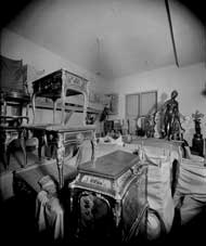 Duveen_storeroom